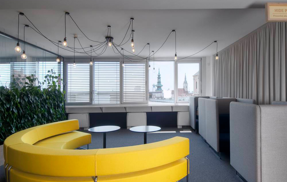 dizajn showroom techo svietidla