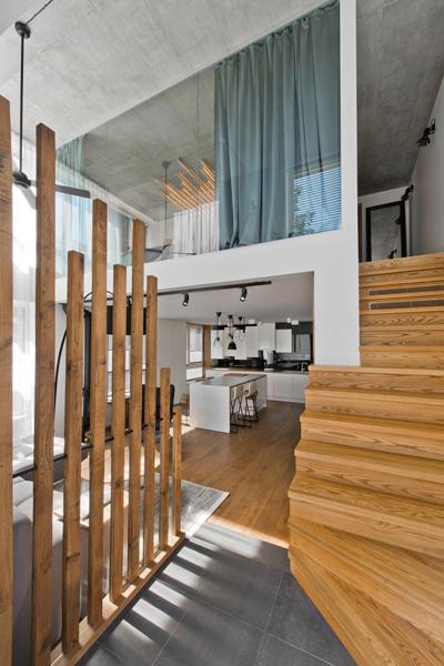 vstup-do-bytu-schodisko-drevo